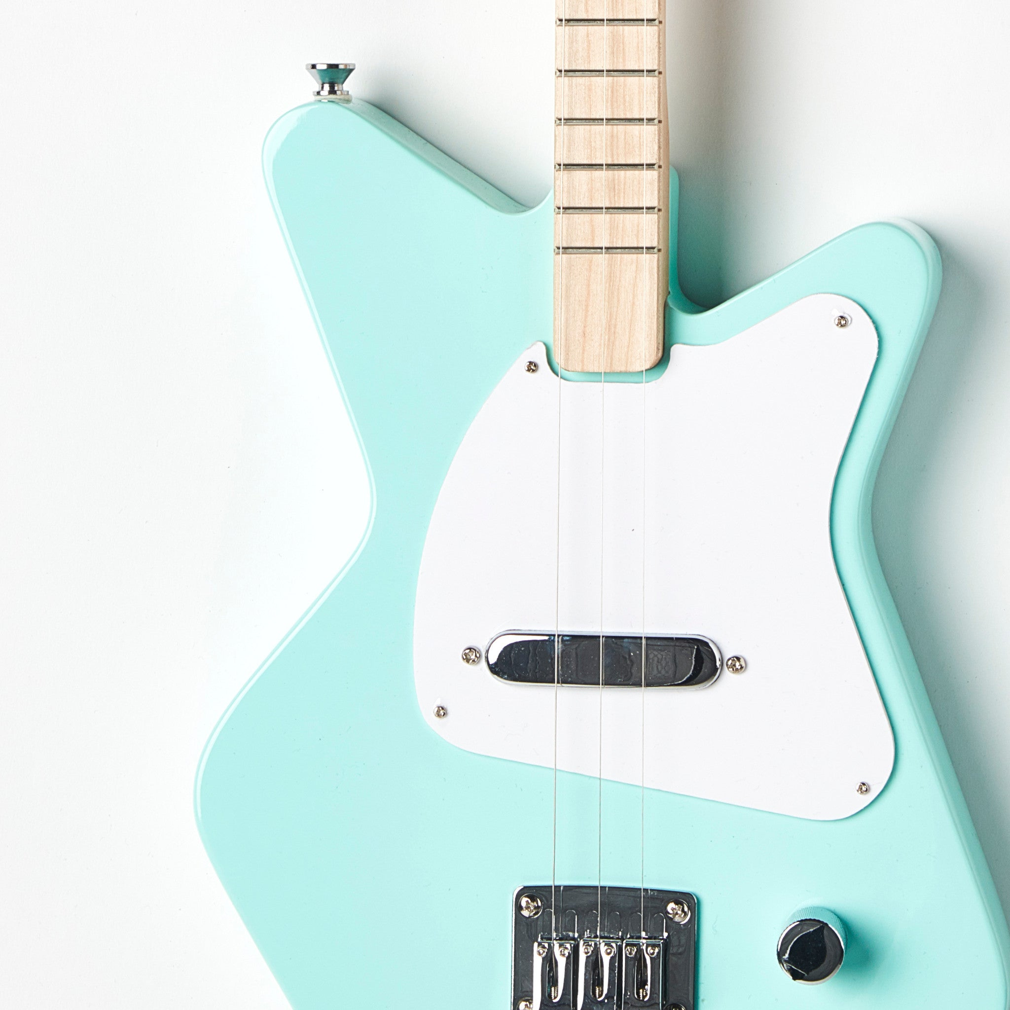 Loog Pro Electric guitar for kids - Green - Body Closeup
