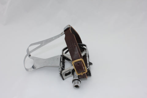 Brown single toe clip straps (pedals and clips not included)