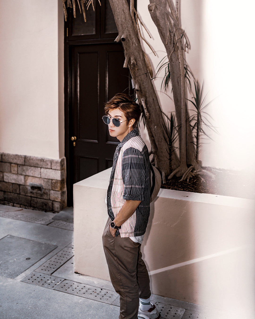 Ivan Lui wears REVE by RENE 4am aviator sunglasses