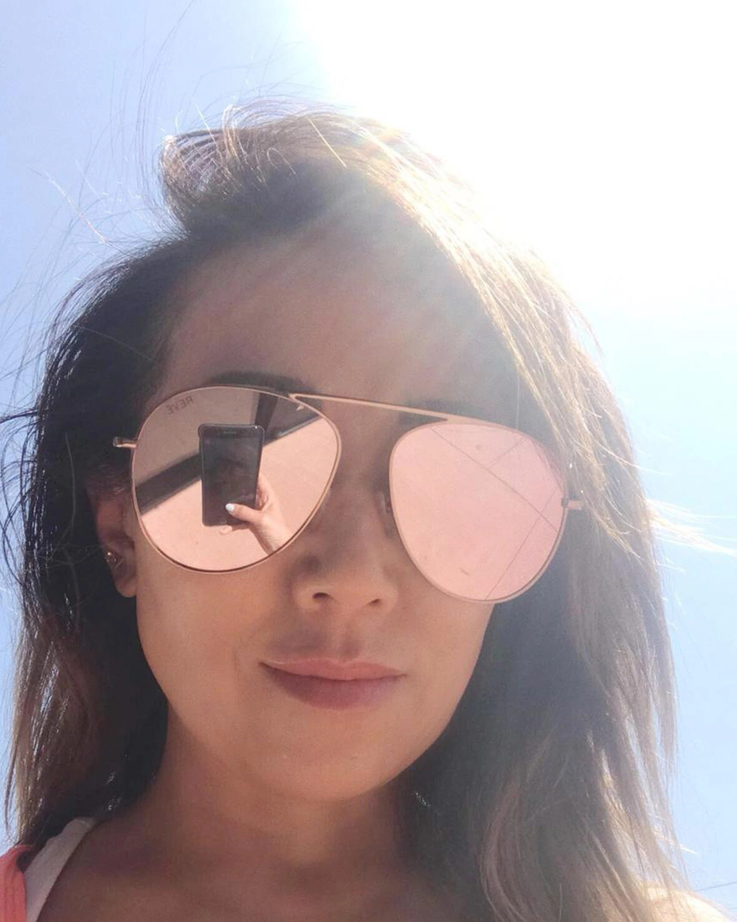 Tina Craig 陳尚婷 wears REVE by RENE glimpse sunglasses in rosegold