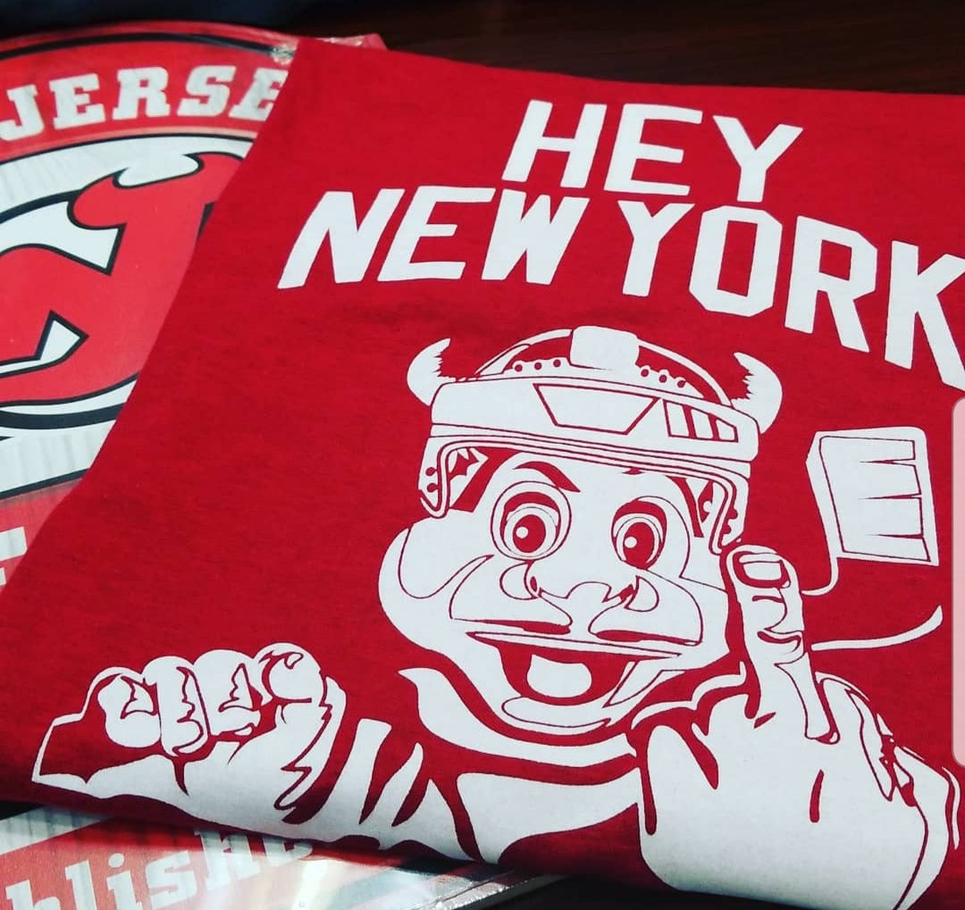 Red Devils Hey New York T Shirt