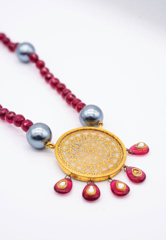 RED, GRAY AND GOLD NECKLACE WITH GOLD MEDALLION