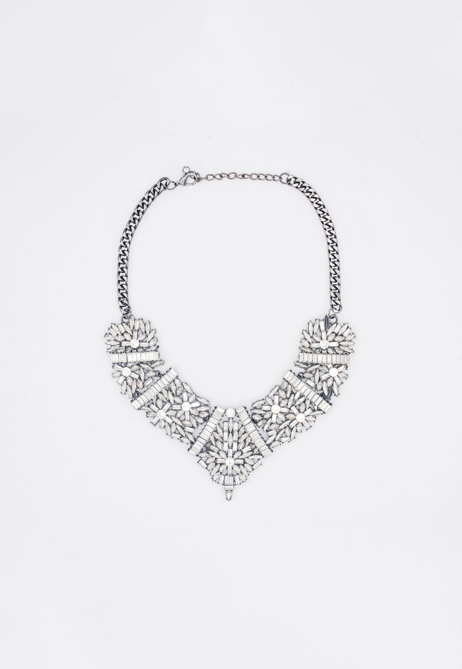 RHINESTONE BIB NECKLACE WITH ADJUSTABLE CHAIN LINK
