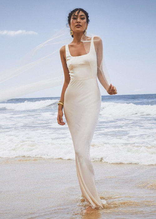 PRE-ORDER: AMORE DRESS PEARL