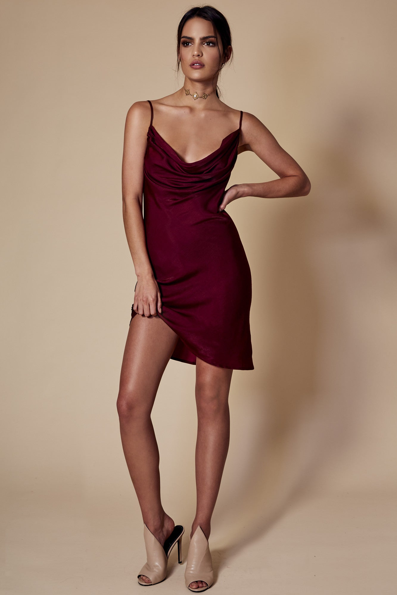 CLAUDIE BACKLESS DRESS WINE – WINONA