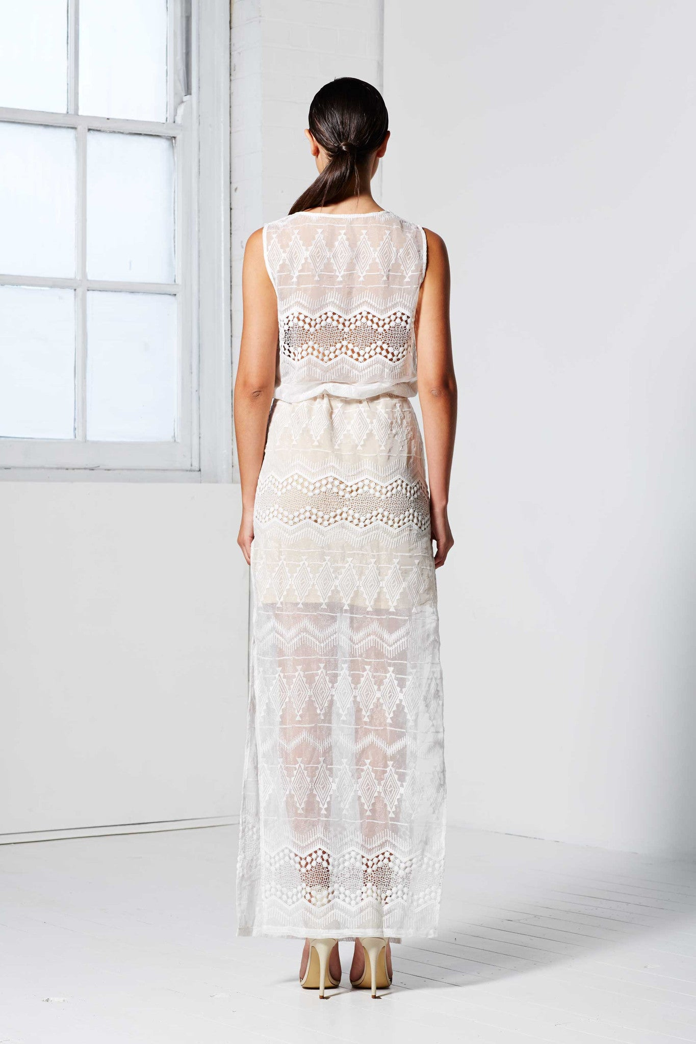 EMBROIDERY LACE MAXI DRESS WHITE