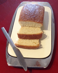 Lovely lemon cake made with fresh lemon