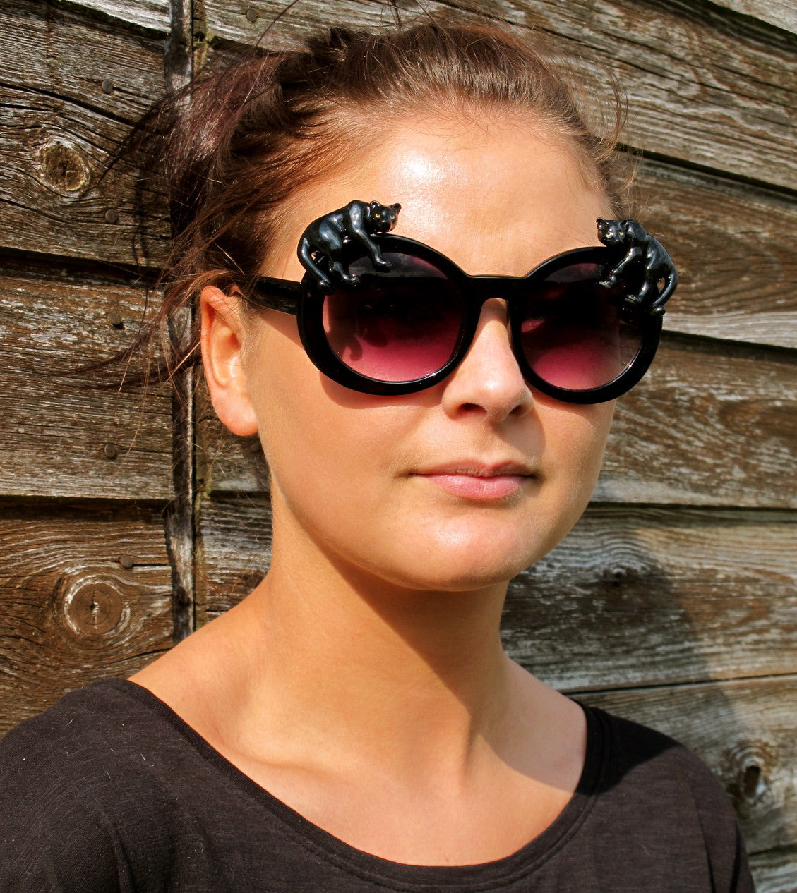 Idle Panther Black Oval Sunglasses