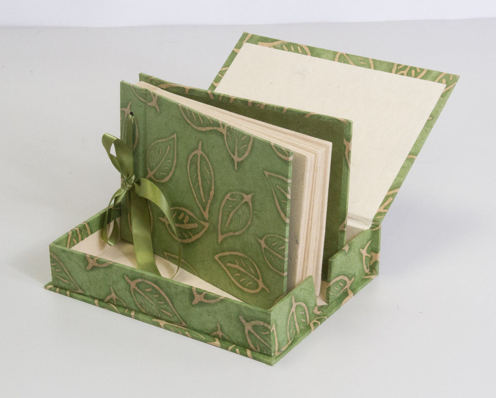 Boxed Photo Album - Batik Leaf - Photo Albums - Anglesey Paper Company  - 3