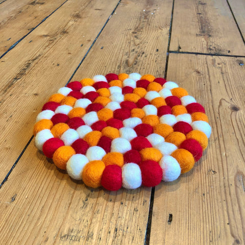 20cm - Felt Ball Mat Orange/Red/White - Round
