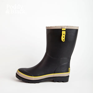 short welly in black side view