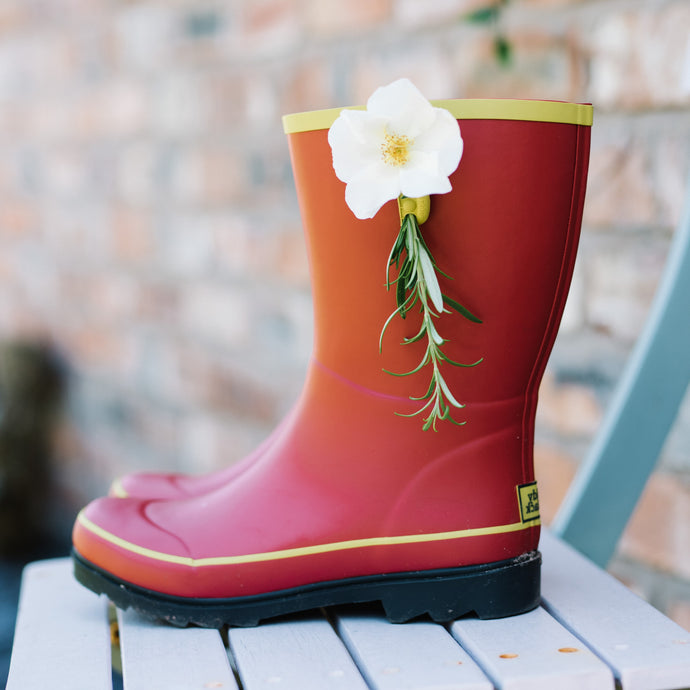 short welly in red with flower