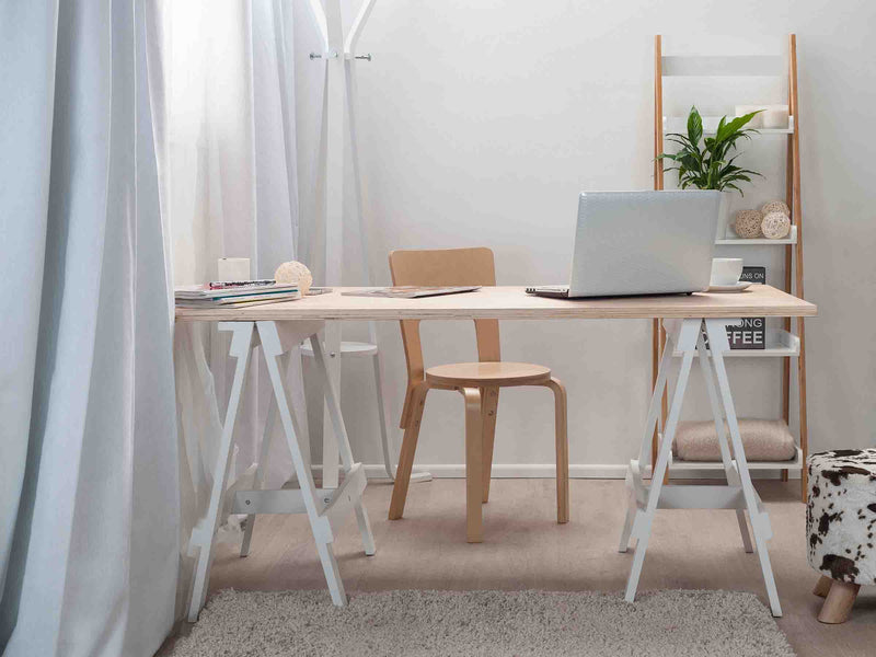 Trestle Desk - White legs / Natural Top