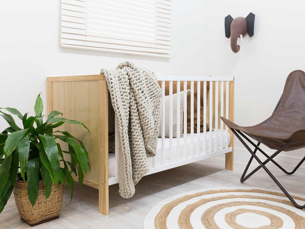 Mocka Aspiring Cot - Natural/White