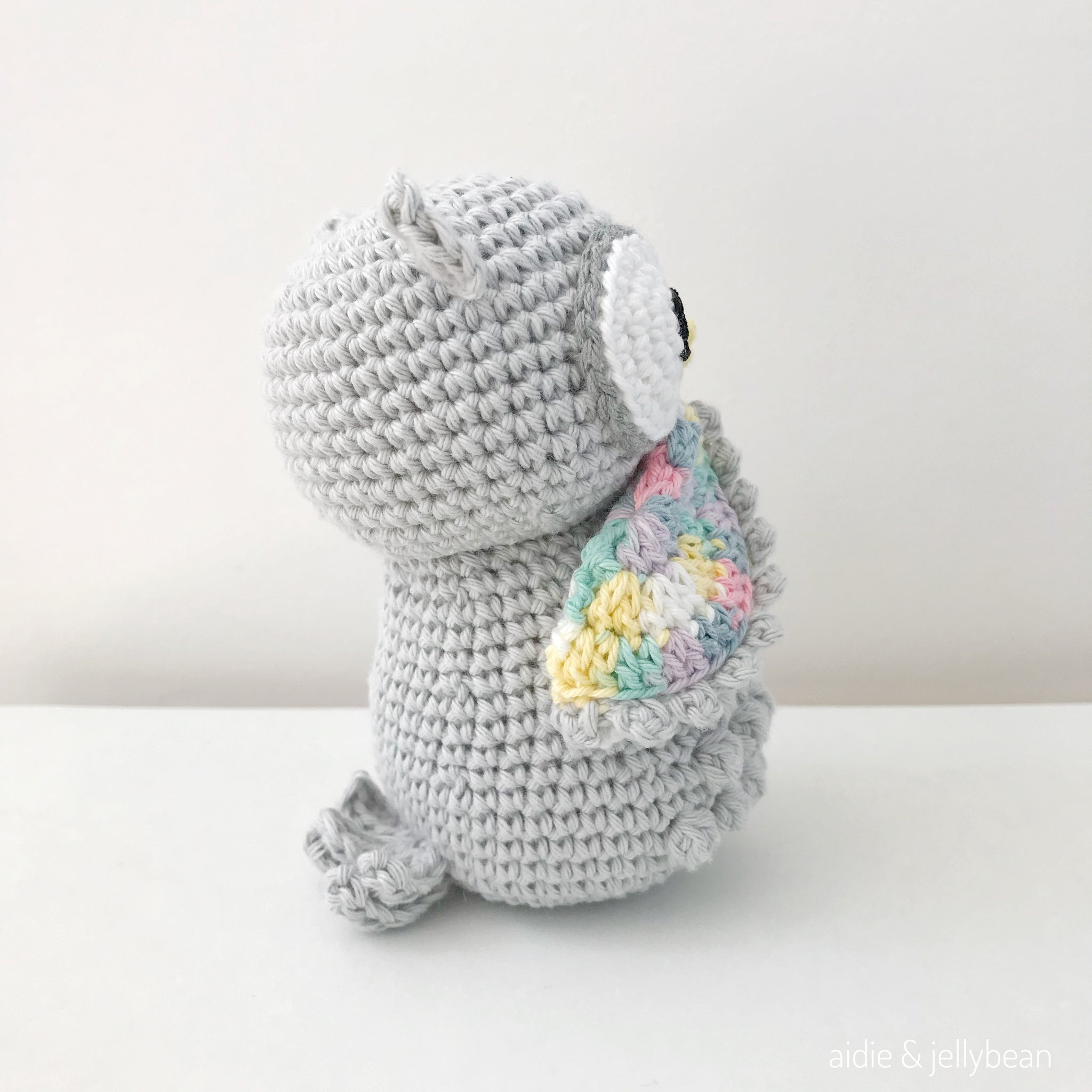 Crochet Owl Pattern – Another Kind Of Grass   2048x2048