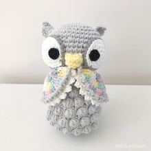 "Load image into Gallery viewer, AMIGURUMI PATTERN/ tutorial (English) Amigurumi Owl - ""Olivia the Little Owl"" pdf - US terminology"