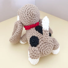 "Load image into Gallery viewer, AMIGURUMI PATTERN/ tutorial (English / Español) Amigurumi Basset Hound Dog - ""Sadie the Basset Hound Puppy"""