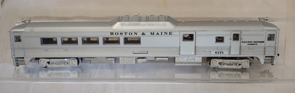 Athearn HO BUDD  Locomotive Boston & Maine Railway Express (Dummy) - Baron von Plastic