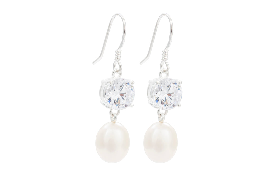 Pearl and «Diamond» earrings