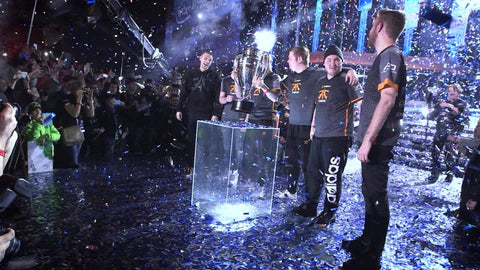 CO2 Cryo Jet and Confetti Cannon For Esports