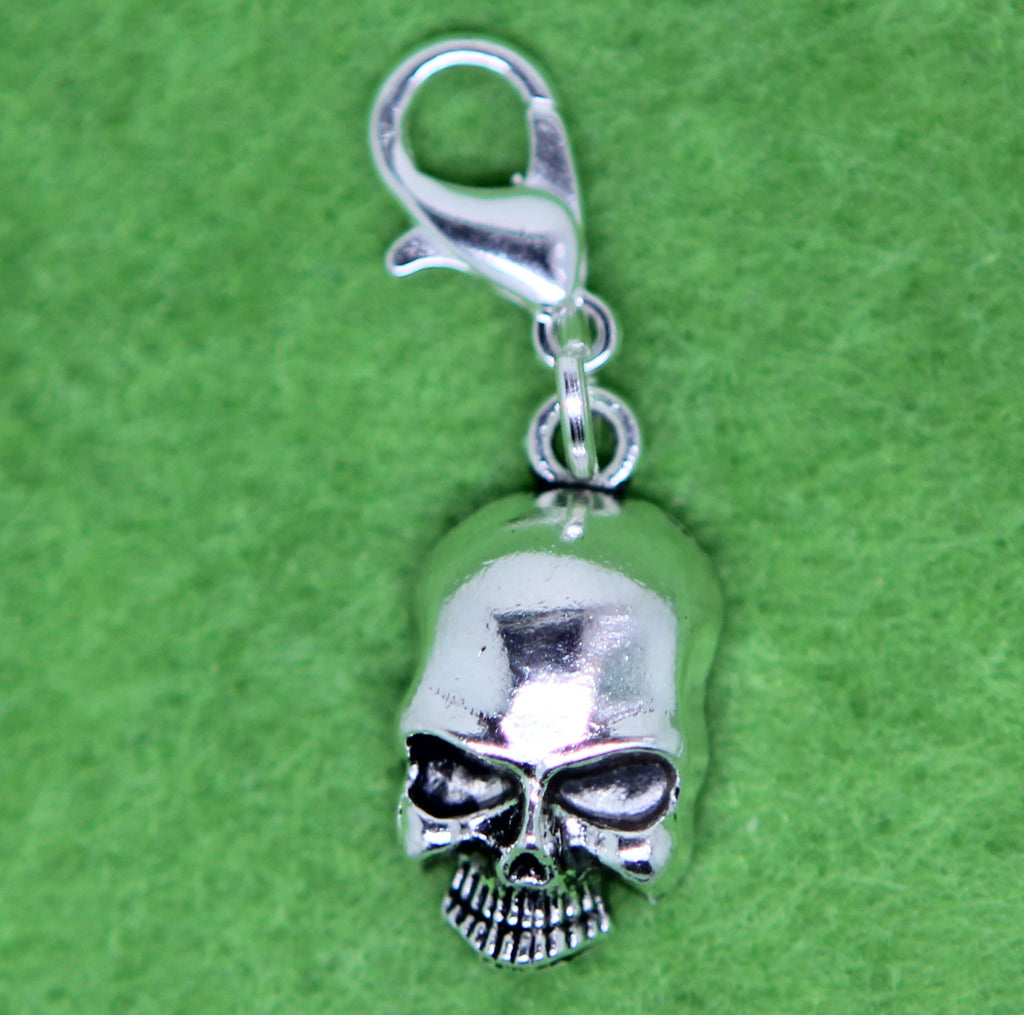 Skull Old Silver Charm Clip on Bead for Charm Bracelets Charms necklace floating charms - Pendants and Charms