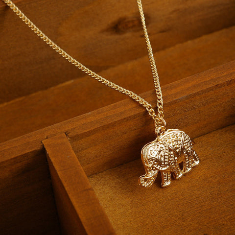 Women Fashion Gold Plated Elephant Short Pendant Necklace - Pendants and Charms