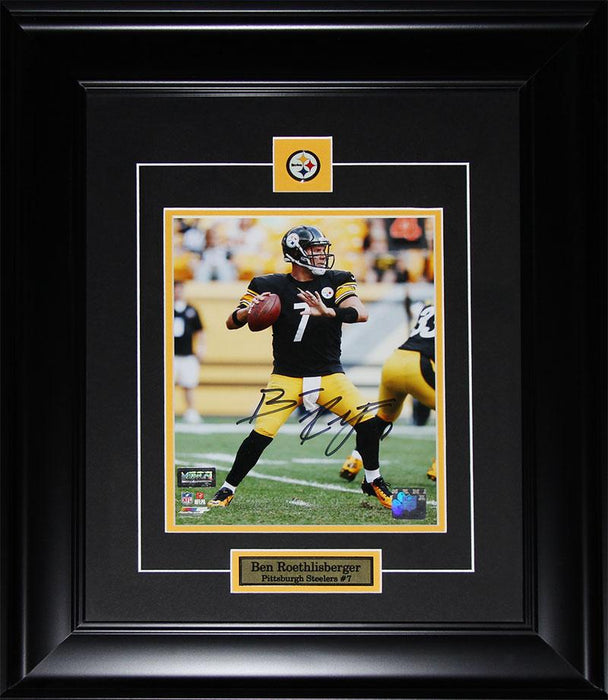 Ben Roethlisberger Pittsburgh Steelers Signed 8x10 NFL Football Collector Frame