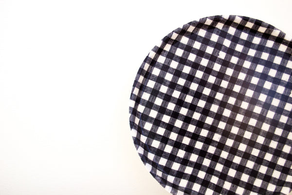 Fog Linen Round Navy White Check Tray