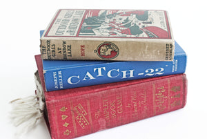 "Vintage 1961 Edition of ""Catch - 22"", Hardcover Book, Novel by Joseph Heller"