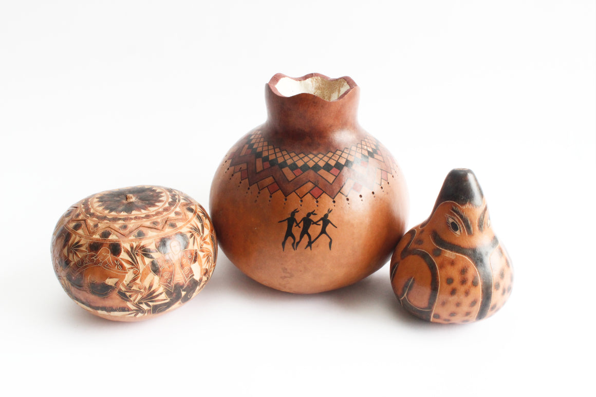 Mates Burilados, Peruvian Folk Art, Etched Decorative Gourd