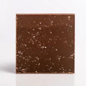 Load image into Gallery viewer, Carré gourmand - Milk chocolate with caramel and fleur de sel