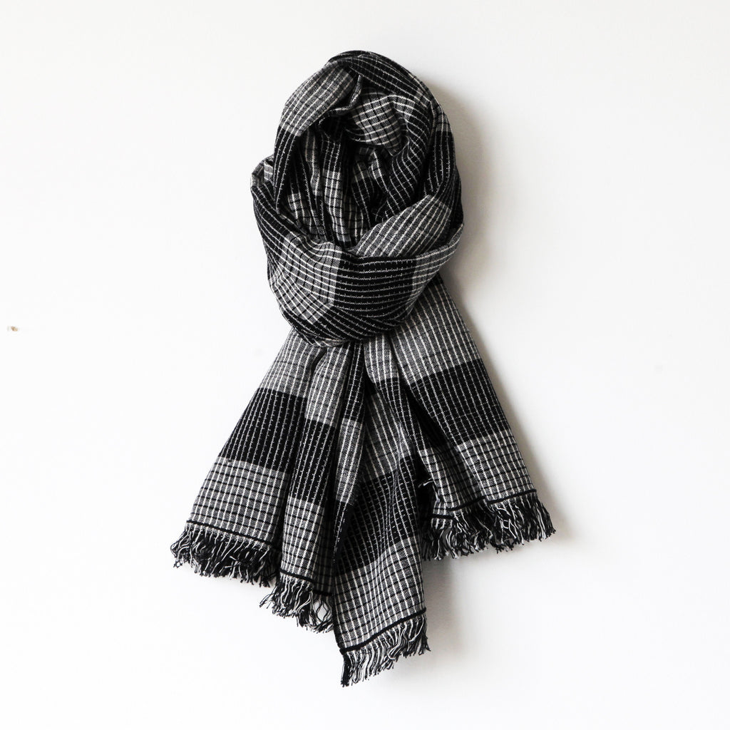 Black Peppercorn Scarf