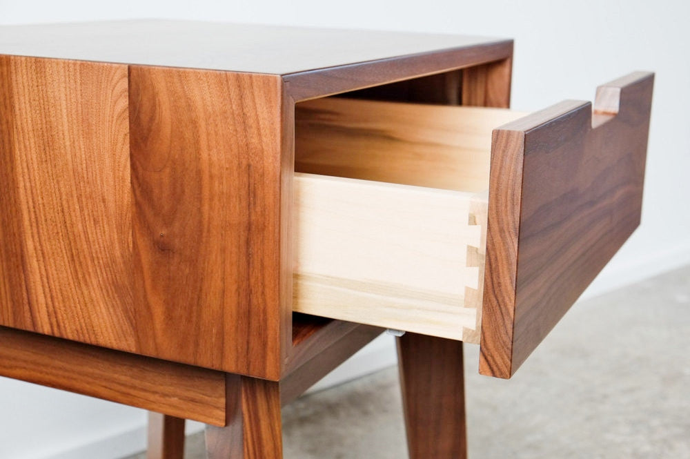 Ventura Side Table / Nightstand