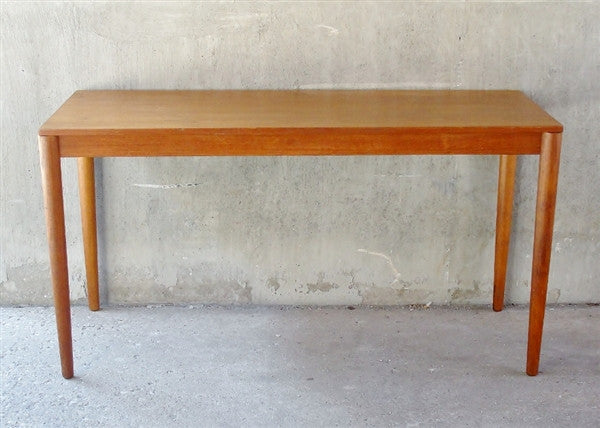 Scandinavian Desk/Table