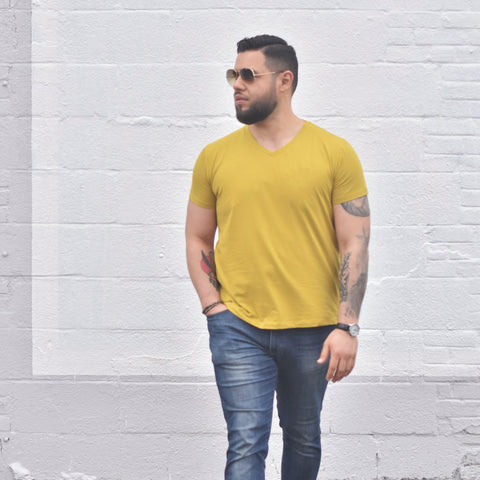 MENS V-neck tee in Golden Fern