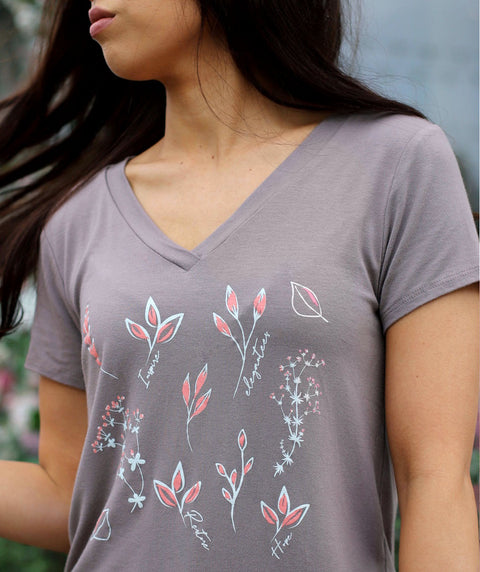 FLORAL v-neck tee in Taupe