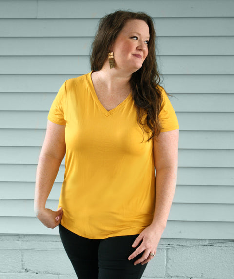 V-NECK basic tee in Mustard