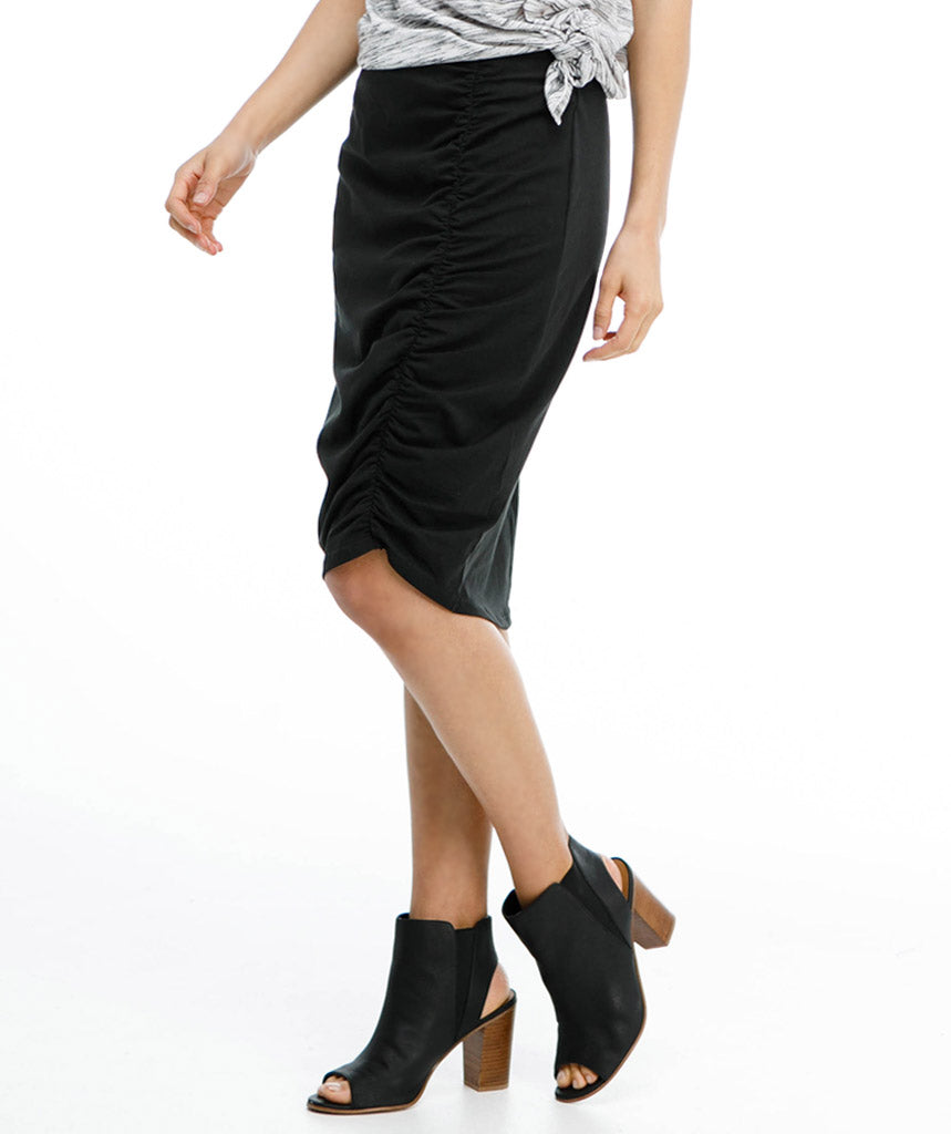 The AMIRA skirt in Black