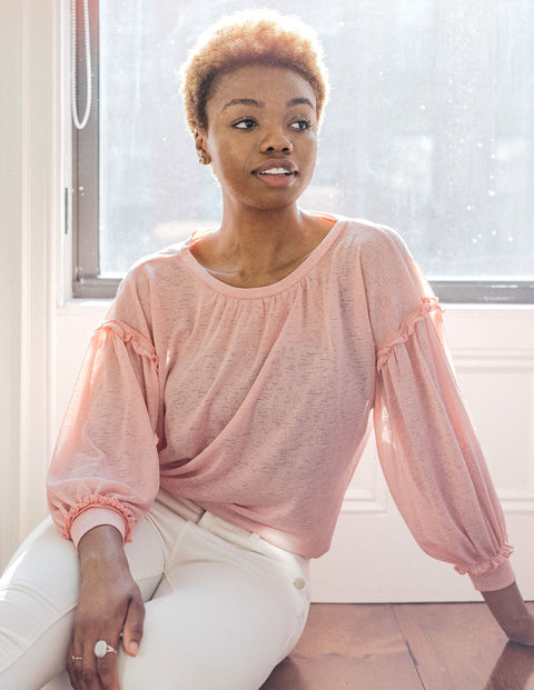The TESSA gathered sleeve lightweight top in Blush