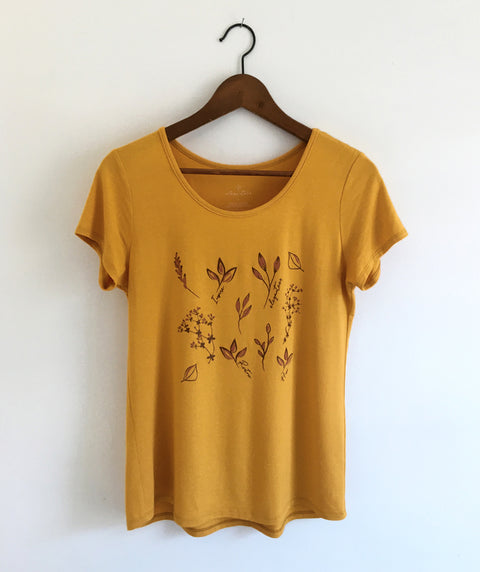 FLORAL scoop neck tee in Mustard