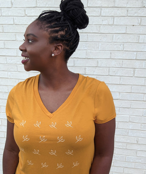 LOGO v-neck tee in Mustard