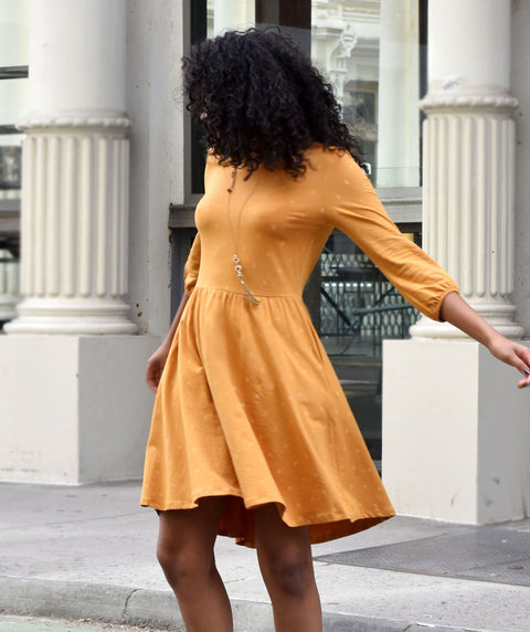 The AUTUMN dress in Mustard print