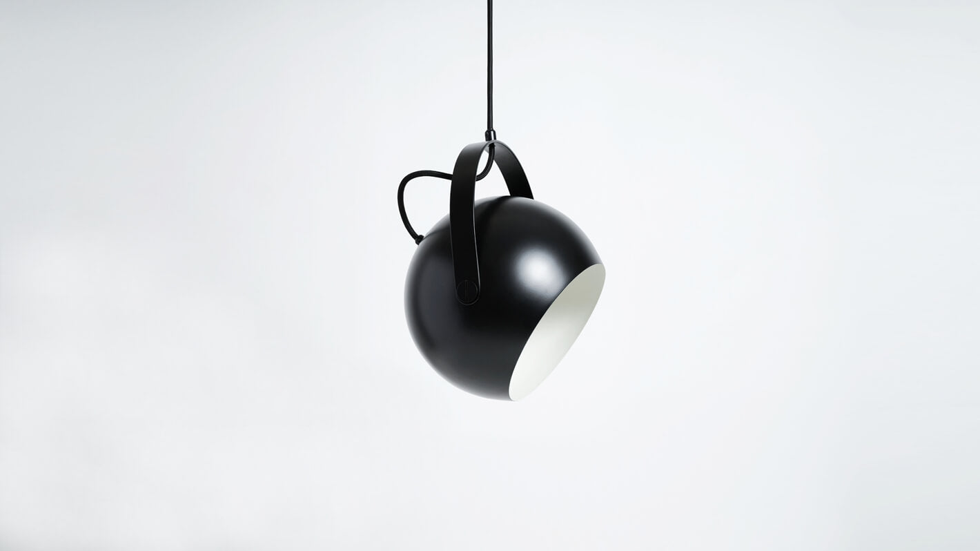 ball pendant lamp with handle (black)