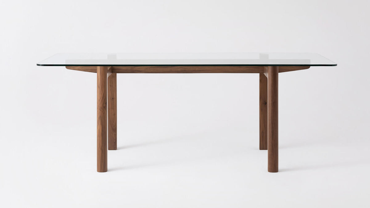 place dining table