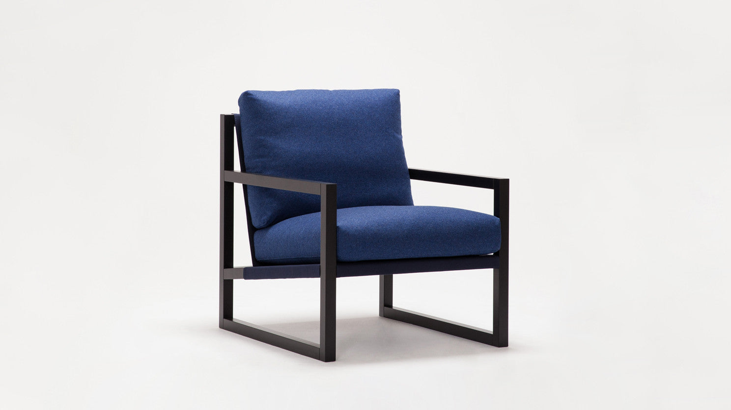 Chiara Lounge Chair Urbane Eq3