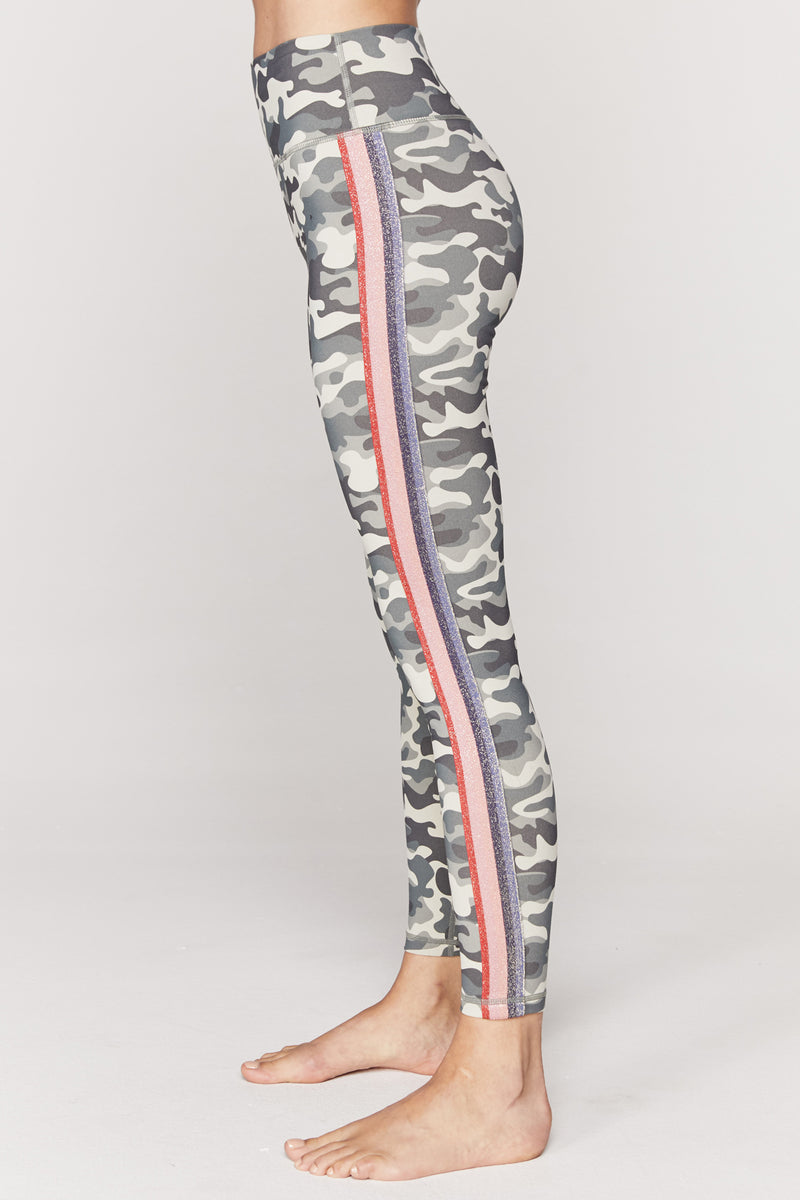STRIPED CAMO HIGH WAIST 7/8 LEGGING