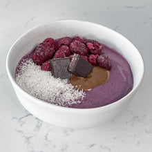 RASPBERRY COCONUT SMOOTHIE BOWL