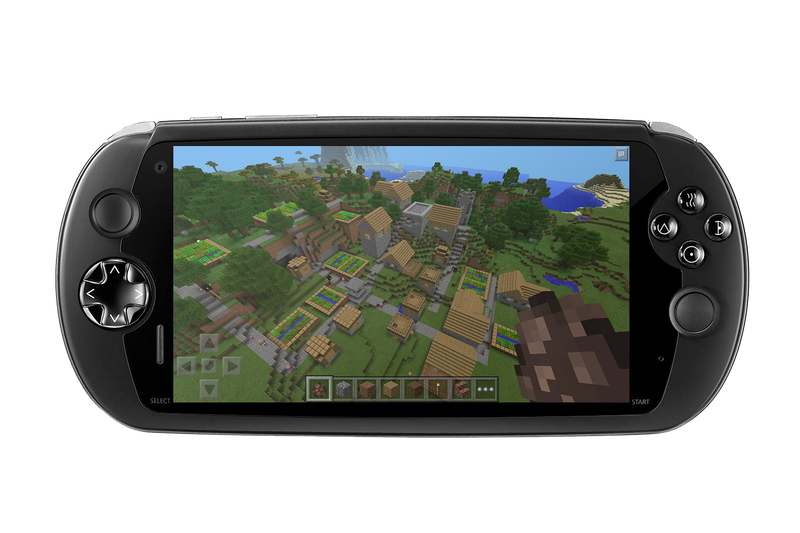 MOQi I7s Android Gaming Smartphone - Front facing playing Minecraft