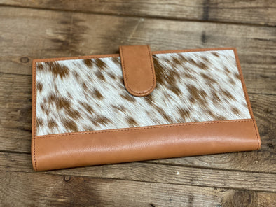 Cowhide - Rochester Tan / White Travel Clutch