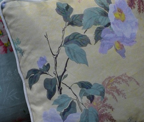 Heythorp Dog Rose Throw Pillow Cover